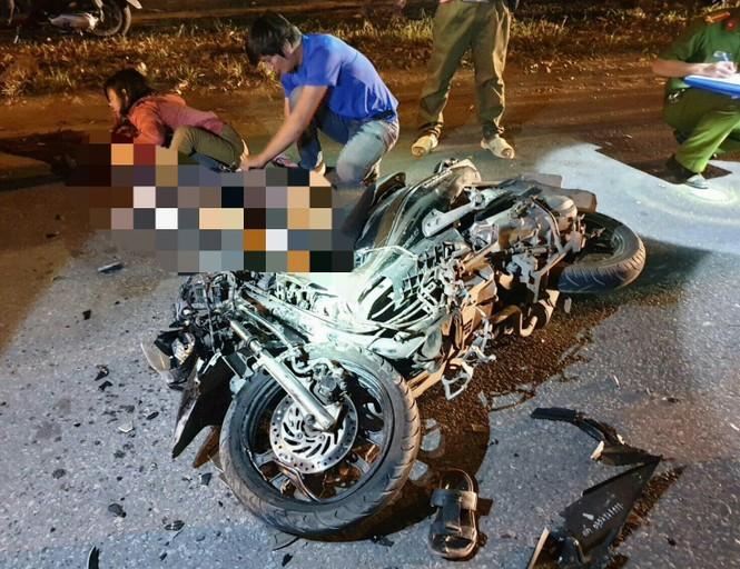 Hai người chết tại chỗ trước cổng KCN vì thanh niên chạy xe như bay  - ảnh 2