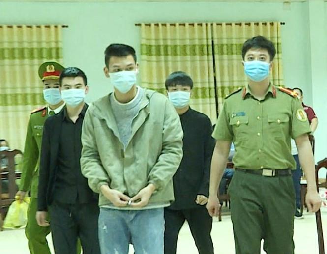 Bàn giao 3 người Trung Quốc nhập cảnh trái phép cho công an xử lý - ảnh 1