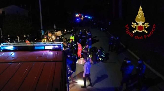 Hỗn loạn trong hộp đêm, 6 người chết, 120 người bị thương - ảnh 1