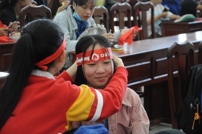 Hàng trăm bạn trẻ có mặt từ sớm tham gia Chủ Nhật Đỏ tại Kiên Giang - ảnh 8