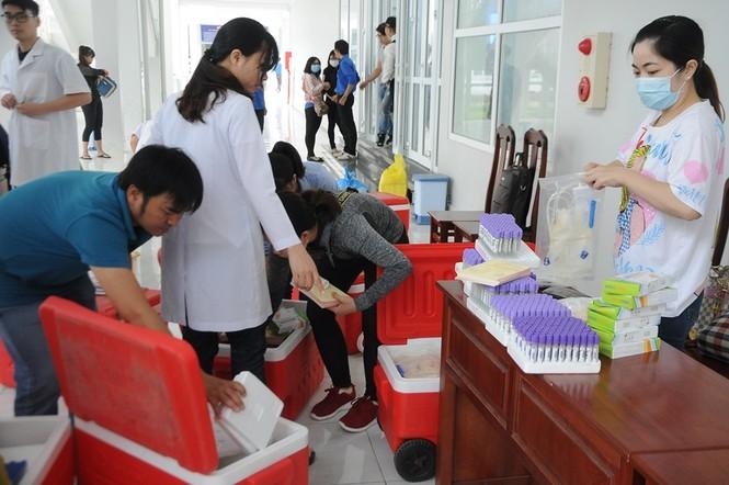 Hàng trăm bạn trẻ có mặt từ sớm tham gia Chủ Nhật Đỏ tại Kiên Giang - ảnh 6