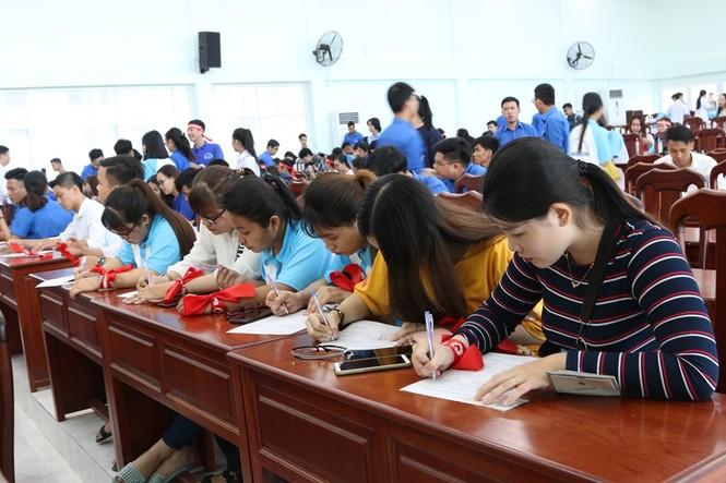 Hàng trăm bạn trẻ có mặt từ sớm tham gia Chủ Nhật Đỏ tại Kiên Giang - ảnh 3