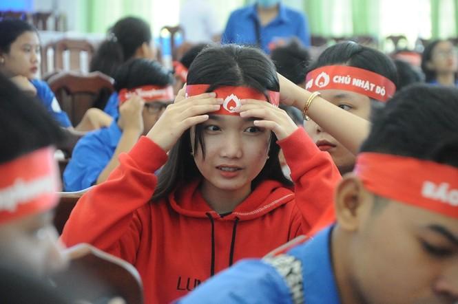 Hàng trăm bạn trẻ có mặt từ sớm tham gia Chủ Nhật Đỏ tại Kiên Giang - ảnh 4