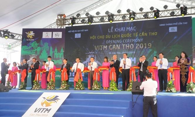 Chủ tịch Quốc hội dự khai mạc Hội chợ Du lịch Quốc tế Cần Thơ 2019 - ảnh 1
