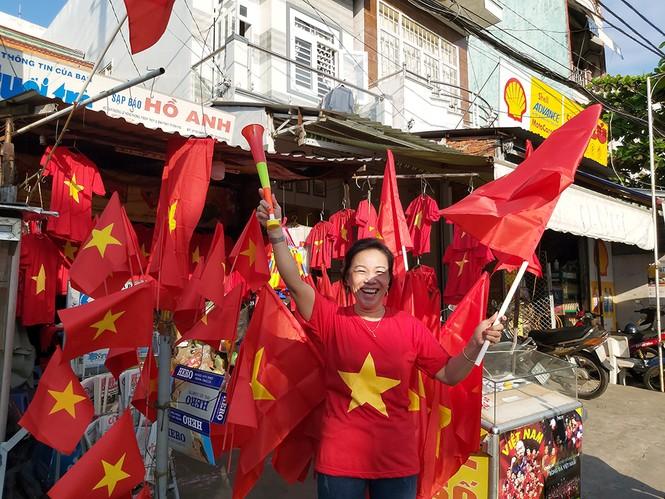 Bạn trẻ Tây Đô háo hức cổ vũ đội tuyển U22 Việt Nam - ảnh 2
