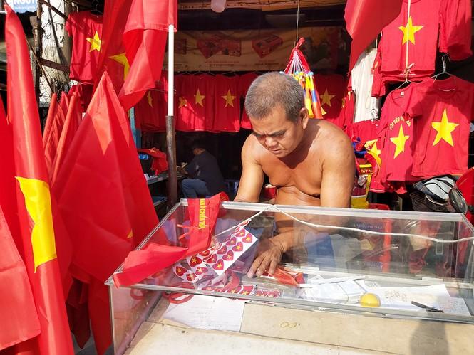 Bạn trẻ Tây Đô háo hức cổ vũ đội tuyển U22 Việt Nam - ảnh 4