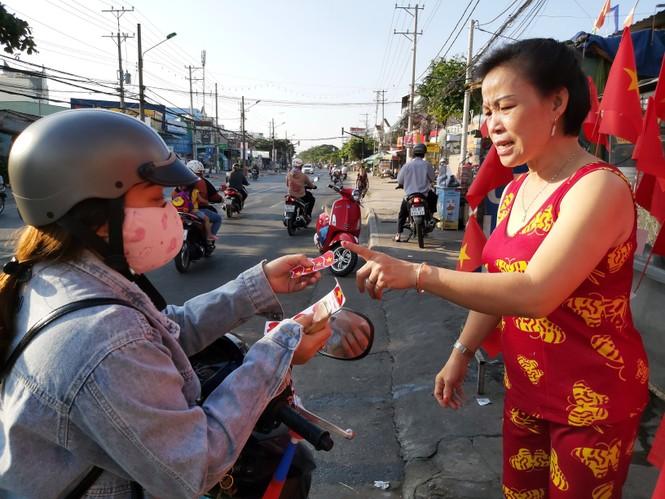 Bạn trẻ Tây Đô háo hức cổ vũ đội tuyển U22 Việt Nam - ảnh 8