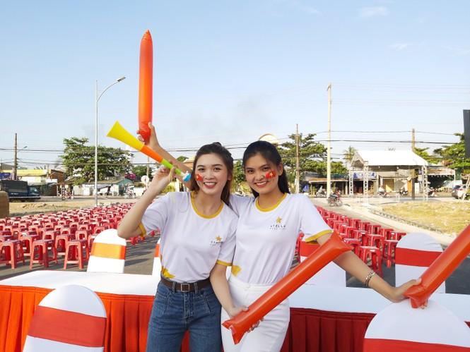 Bạn trẻ Tây Đô háo hức cổ vũ đội tuyển U22 Việt Nam - ảnh 6