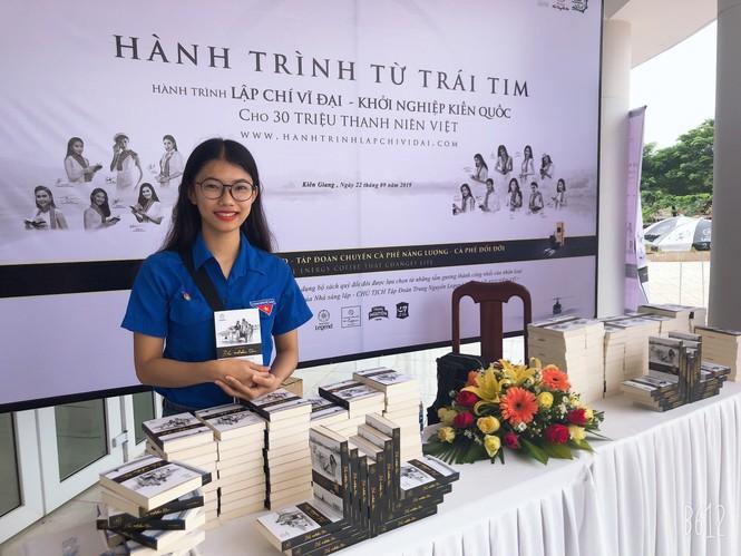 Nữ sinh ĐH Kiên Giang trưởng thành từ công tác Đoàn  - ảnh 9