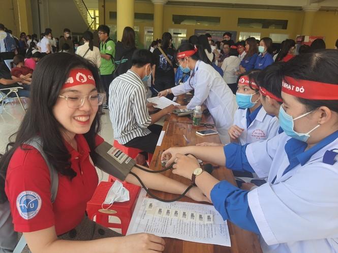 Tự hào vì chia sẻ giọt máu cho cộng đồng - ảnh 3