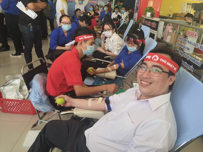 Tự hào vì chia sẻ giọt máu cho cộng đồng - ảnh 6