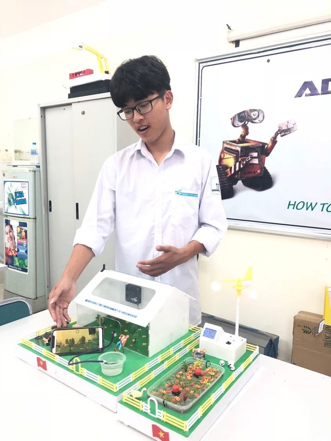 Mô hình nhà kính trồng rau của học sinh cấp 3 - ảnh 1
