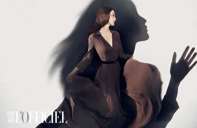 Ngắm Angela Baby đẹp xuất thần trên bìa tạp chí L'OFFICIEL Kim Cửu (9/2020) - ảnh 7