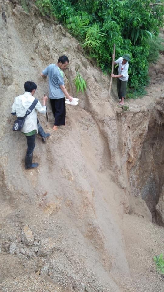 Giao thông ách tắc, thiệt hại ước tính 276 tỷ sau vụ lũ quét ở Thanh Hóa - ảnh 1