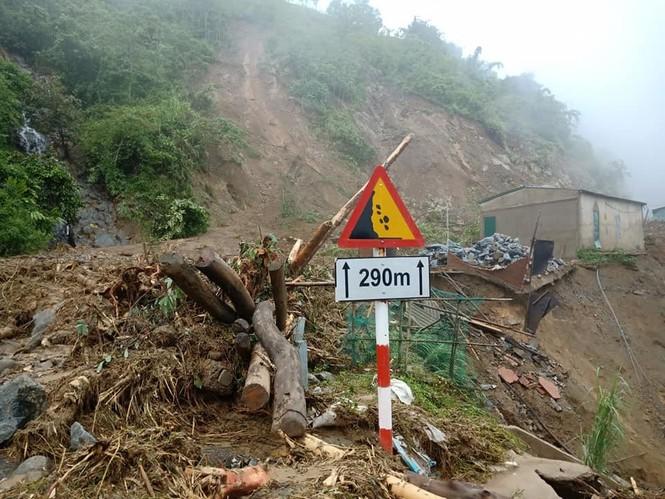 Giao thông ách tắc, thiệt hại ước tính 276 tỷ sau vụ lũ quét ở Thanh Hóa - ảnh 2