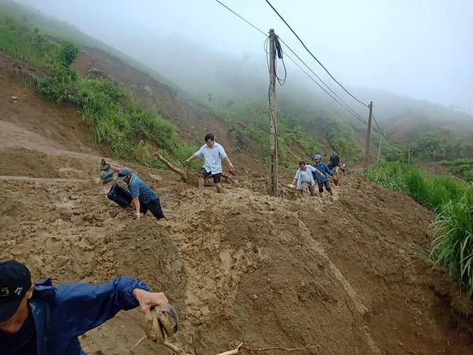 Giao thông ách tắc, thiệt hại ước tính 276 tỷ sau vụ lũ quét ở Thanh Hóa - ảnh 6