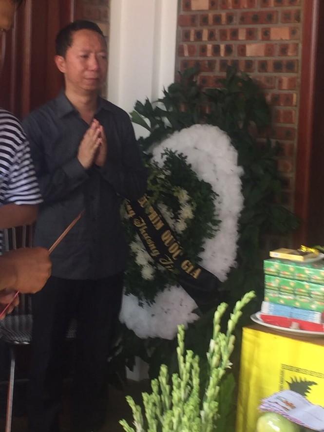 Những vòng hoa trắng và nỗi đau tận cùng ở tang lễ bé trai trường Gateway - ảnh 3
