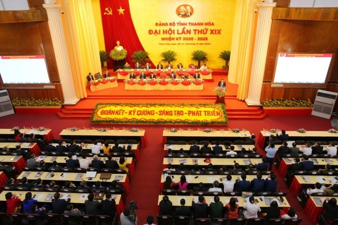 Bầu đoàn chủ tịch Đại hội Đảng bộ tỉnh Thanh Hóa - ảnh 1