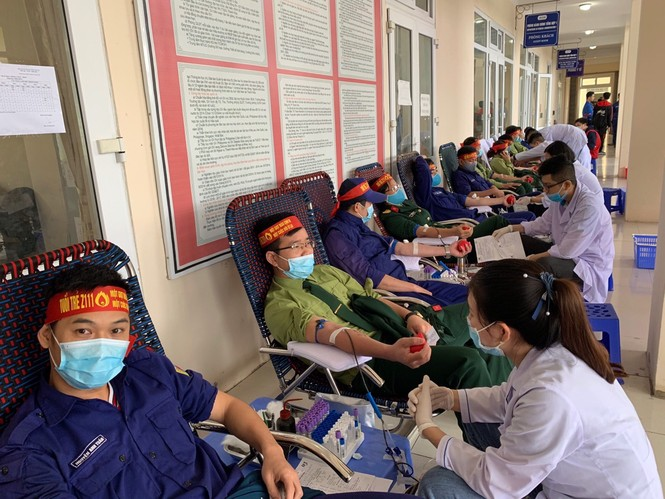 Hơn 100 đoàn viên thanh niên Z111 tham gia hiến máu tại ngày hội Chủ nhật Đỏ - ảnh 4