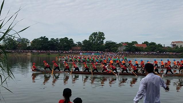 Tưng bừng lễ hội đua thuyền trên quê hương Đại Tướng - ảnh 3