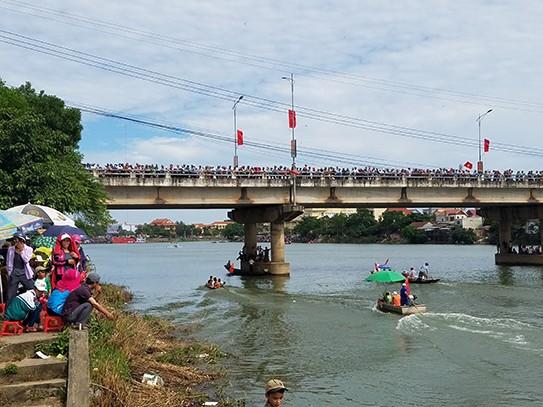 Tưng bừng lễ hội đua thuyền trên quê hương Đại Tướng - ảnh 7