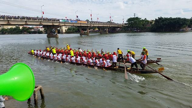 Tưng bừng lễ hội đua thuyền trên quê hương Đại Tướng - ảnh 4