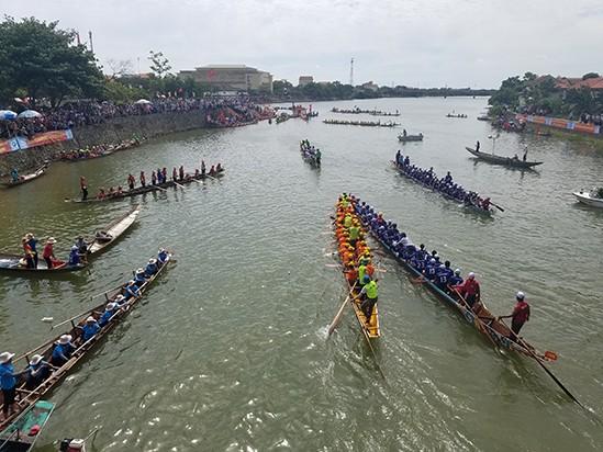 Tưng bừng lễ hội đua thuyền trên quê hương Đại Tướng - ảnh 9