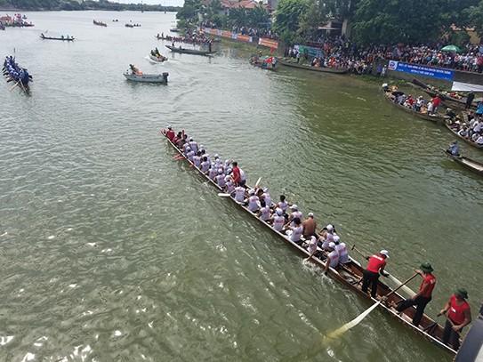 Tưng bừng lễ hội đua thuyền trên quê hương Đại Tướng - ảnh 10