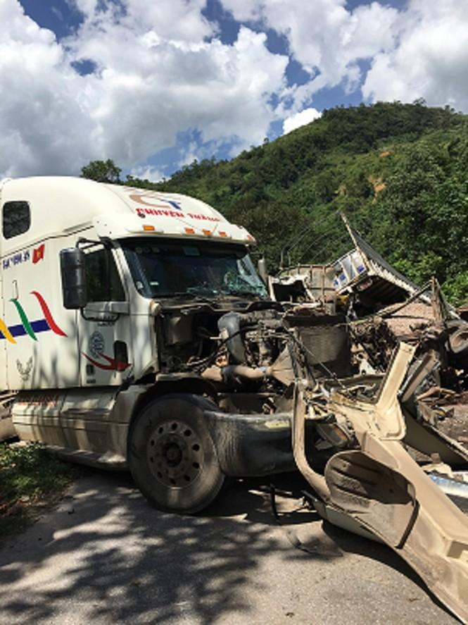 Hai vụ nạn liên tiếp khiến Quốc lộ 12A ách tắc nhiều giờ - ảnh 1