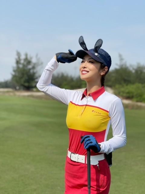 """Hoa hậu Ngọc Hân và Jennifer Phạm tham gia Giải golf  """"Tết vì người nghèo"""" tại Quảng Bình - ảnh 2"""