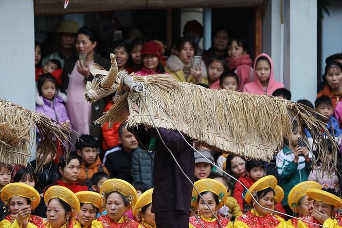 Độc đáo lễ hội trâu rơm bò rạ ngày xuân - ảnh 4