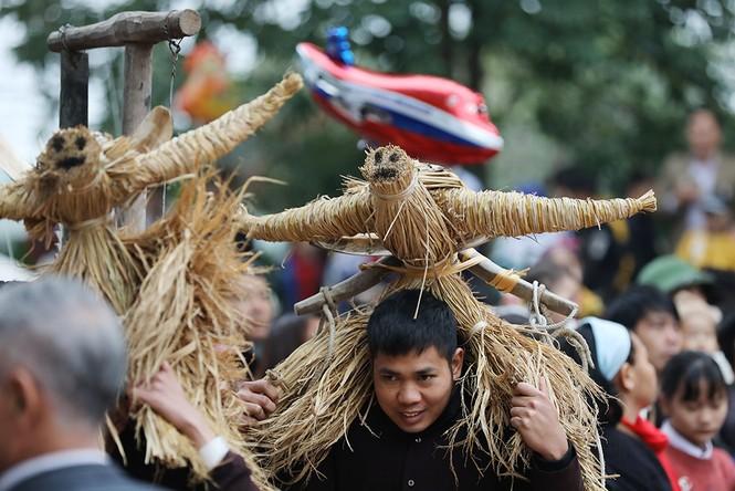 Độc đáo lễ hội trâu rơm bò rạ ngày xuân - ảnh 7