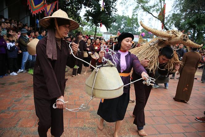 Độc đáo lễ hội trâu rơm bò rạ ngày xuân - ảnh 8
