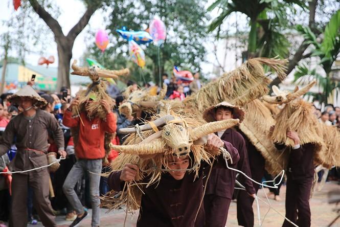 Độc đáo lễ hội trâu rơm bò rạ ngày xuân - ảnh 9