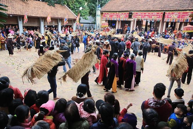 Độc đáo lễ hội trâu rơm bò rạ ngày xuân - ảnh 16