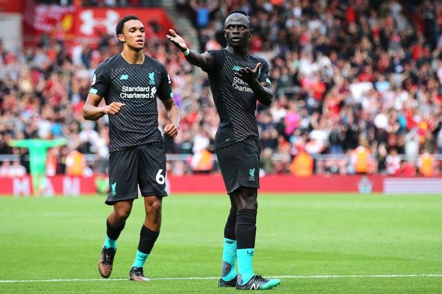 Man City bị 'cưa điểm', Liverpool thắng sát nút - ảnh 2