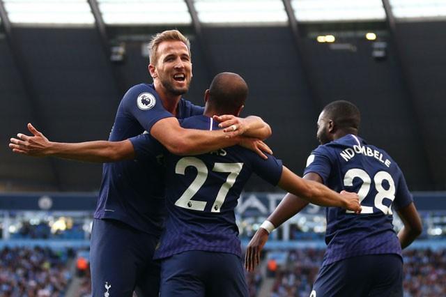 Man City bị 'cưa điểm', Liverpool thắng sát nút - ảnh 1