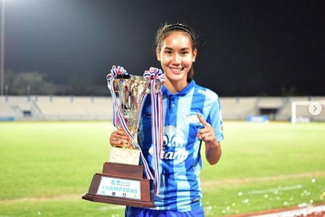 Ngắm nhan sắc ngọc nữ bóng đá Thái Lan - ảnh 3