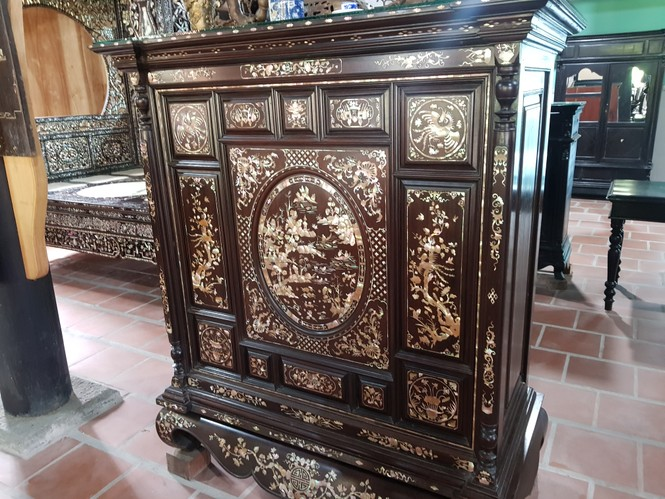 Chiêm ngưỡng chiếc giường cổ có giá bạc tỷ ở Đồng Tháp - ảnh 11