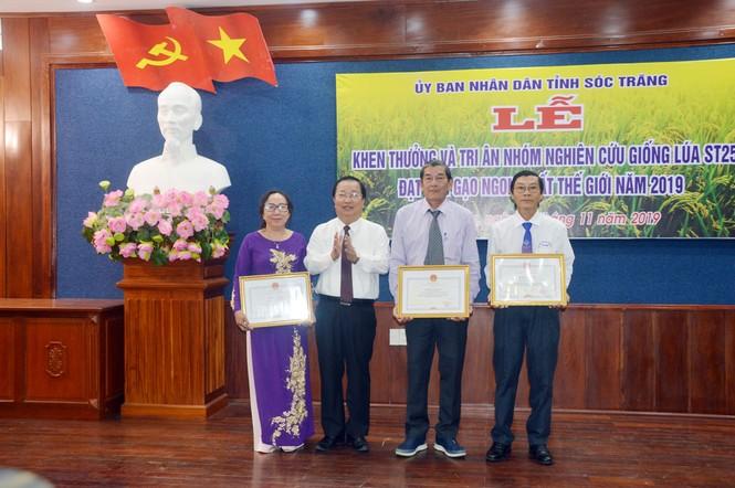 Khen thưởng và tri ân nhóm nghiên cứu gạo ST25 ngon nhất thế giới - ảnh 1