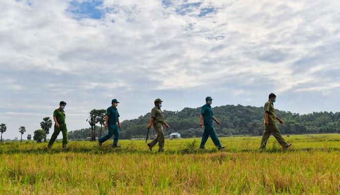 Kiên Giang tăng cường lực lượng hỗ trợ phòng chống dịch tuyến biên giới Tây Nam  - ảnh 2