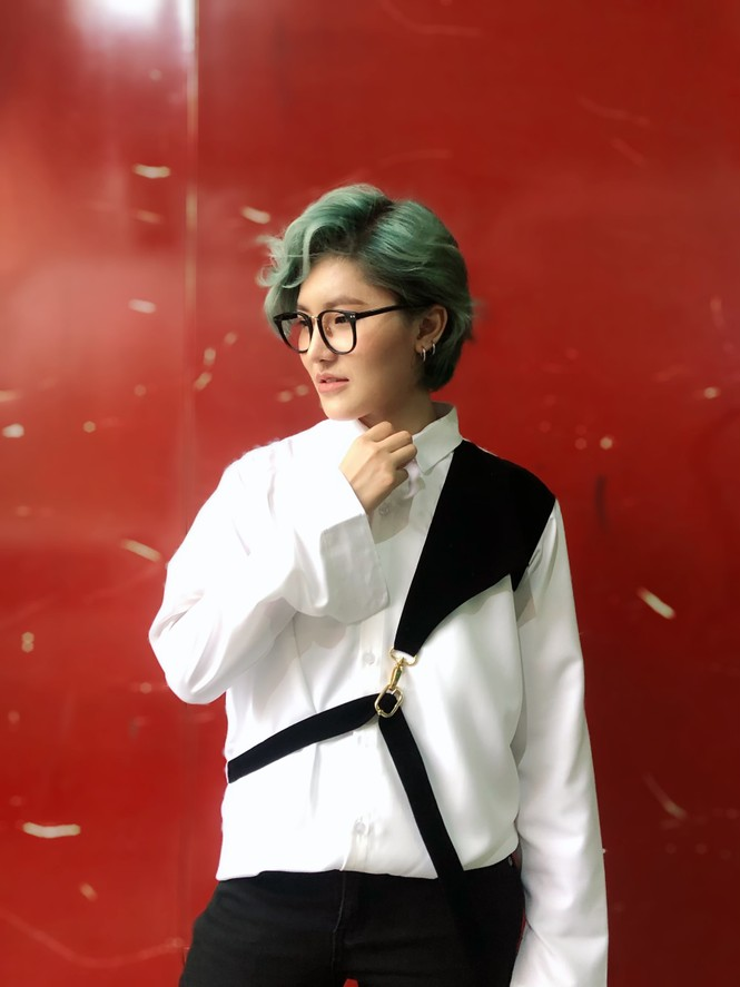 Sao Việt mùa cách ly: Han Sara kheo eo thon, Cao Xuân Tài phải kéo dài thời gian cách ly - ảnh 8
