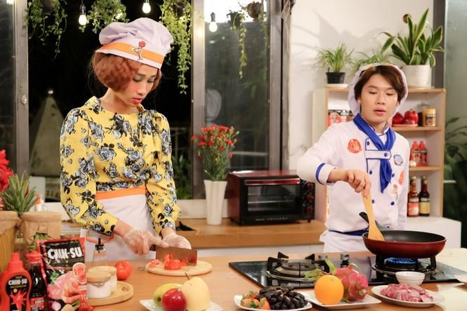 """Sao Việt 24H: Hải Triều - Quang Trung nấu bò nhiệt đới, Hari Won """"lộ"""" nhẫn kim cương - ảnh 4"""