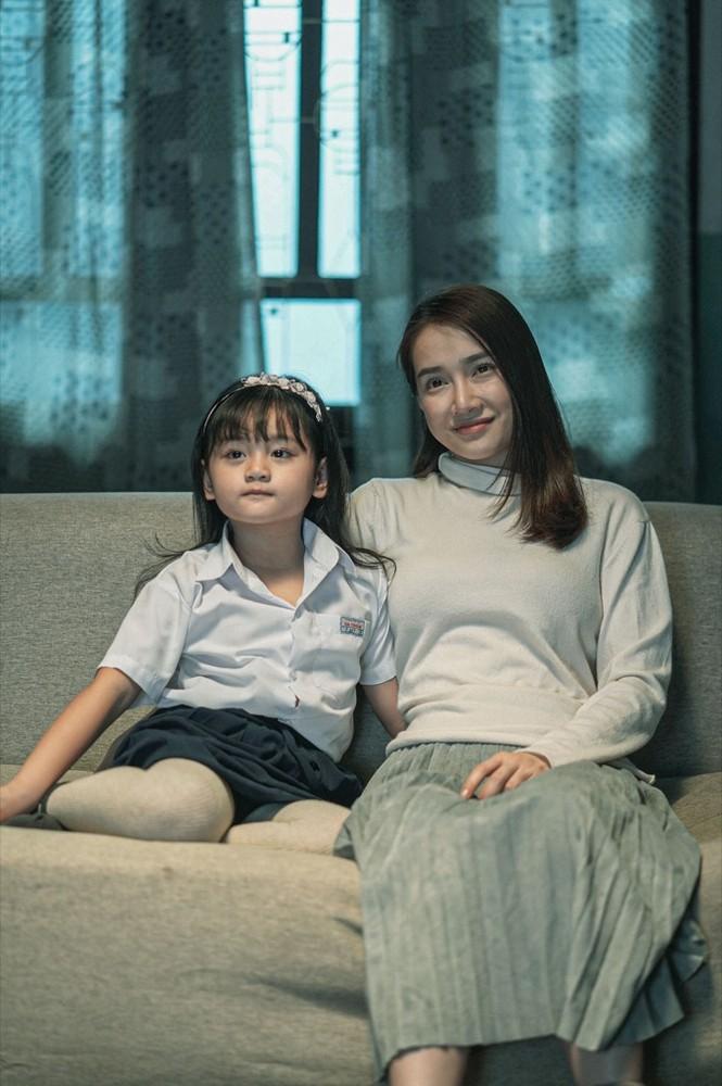 Nhã Phương trở thành bà xã của Trương Thế Vinh trong phim điện ảnh mới - ảnh 4