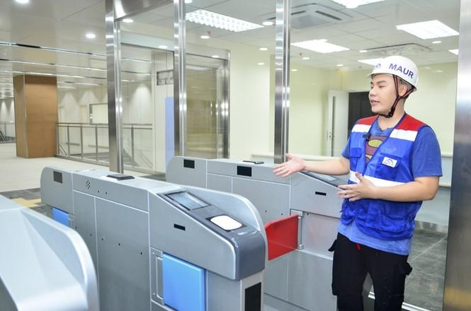 Theo chân Hamlet Trương khám phá ga ngầm siêu hiện đại của tuyến Metro số 1 ở TP.HCM - ảnh 3