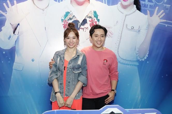 """Vợ chồng Trấn Thành - Hari Won muốn học cách làm cha mẹ thông qua """"Siêu tài năng nhí"""" - ảnh 1"""