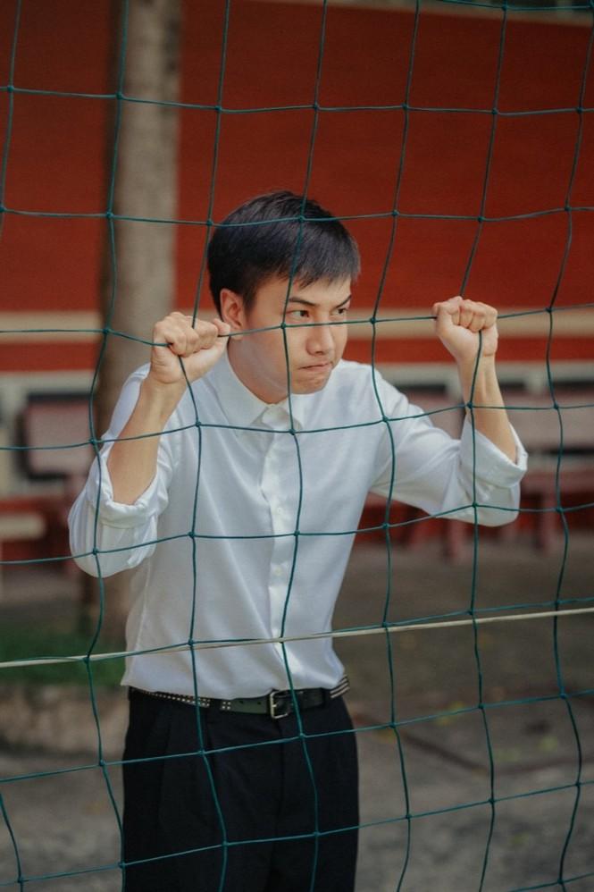 Đón chào mùa tựu trường, Lou Hoàng tung ngay MV