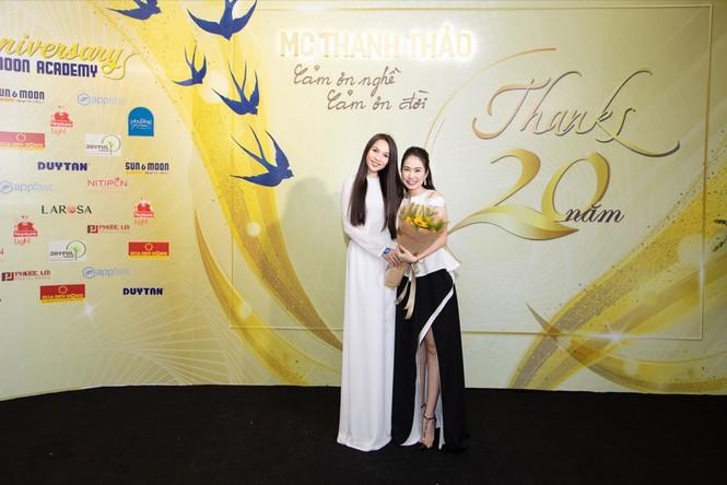 """Thanh Thảo Hugo triệu tập """"đại hội võ lâm"""" làng MC khiến thanh xuân 8x, 9x ùa về - ảnh 4"""