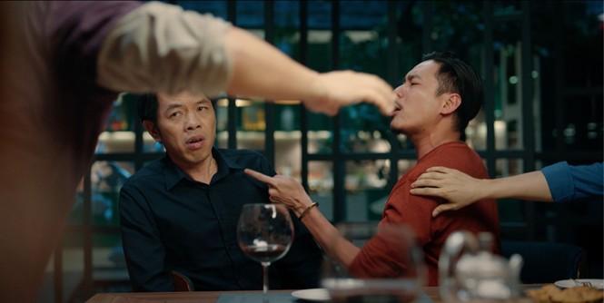 """""""Tiệc Trăng Máu"""" tiết lộ cảnh dàn sao """"bạc tỷ"""" xô xát, cãi vã nảy lửa trong trailer mới  - ảnh 3"""