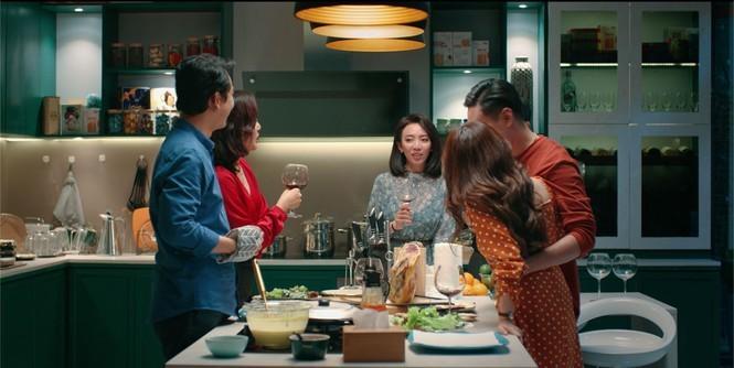 """""""Tiệc Trăng Máu"""": Bản remake hài hước, trọn vẹn của đạo diễn Nguyễn Quang Dũng - ảnh 7"""